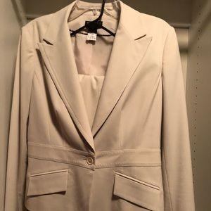 Beautiful ivory Worthington pant suit